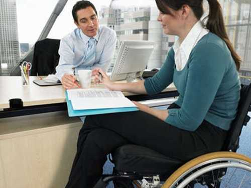 Можно ли работать с 1 группой инвалидности: нормы закона и особые условия