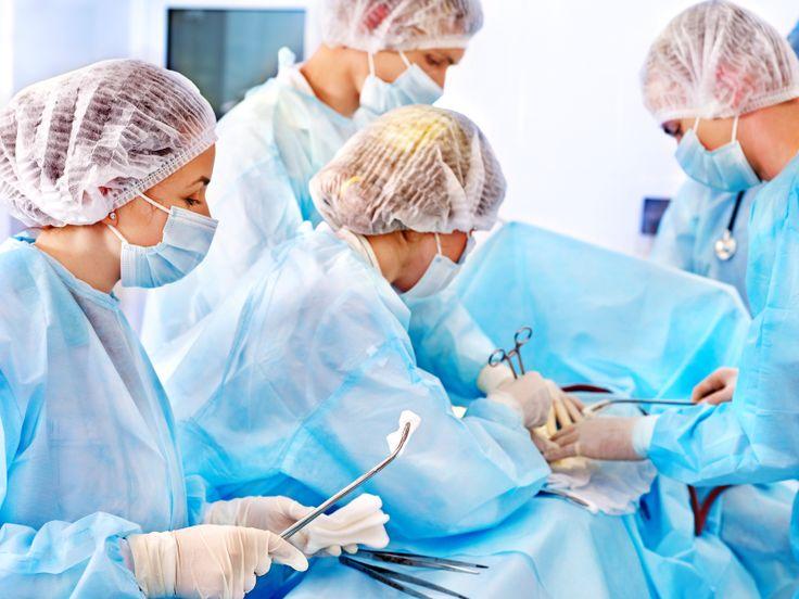 Что входит в круг должностных обязанностей операционной медсестры