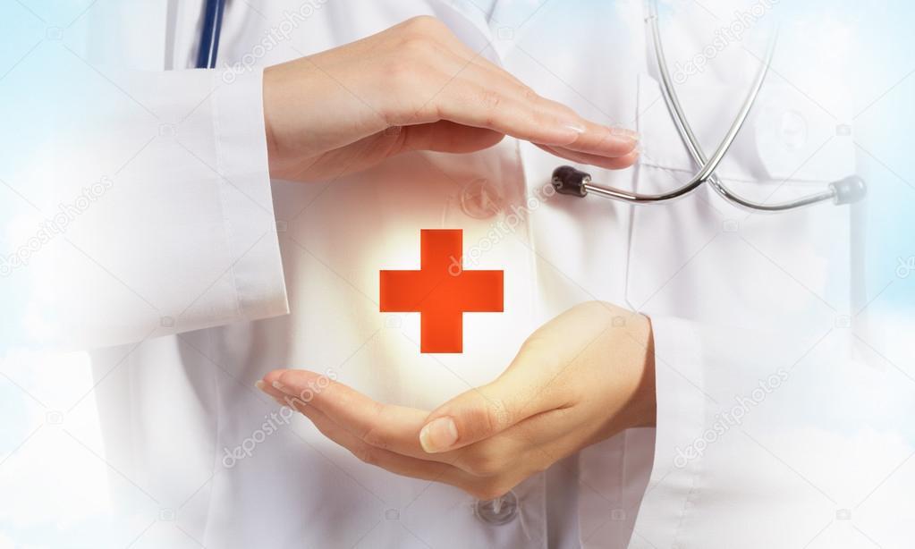 Содержание права на охрану здоровья и медицинскую помощь по Конституции РФ