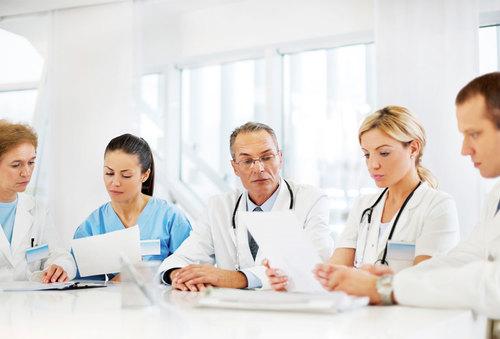 Медработник не в учреждении здравоохранения