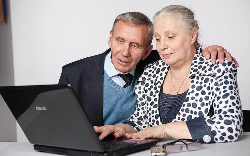Какая доплата к пенсии положена пенсионеру, если ему дали 2 группу инвалидности
