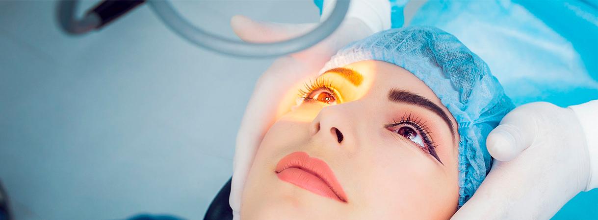 Можно ли сделать лазерную коррекцию зрения бесплатно по полису ОМС